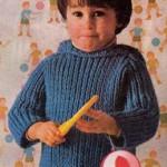 Modrý pulovr s kapucí
