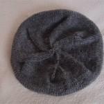 Pletený baret z Fábelu