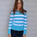 Dievčenský jarný pulóver s pásikmi