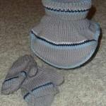 Modrošedý nákrčník a rukavičky