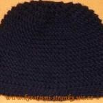 Černá čepice pletená hladce