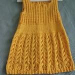 Žluté šatičky s krajkovou sukýnkou