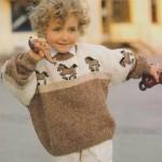 Béžovohnědý pulovr s koníky