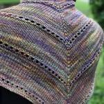 Žerzejový šátek s dírkovými proužky