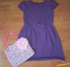 fialové šaty s mašličkou