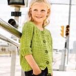 Zelený vzorovaný svetr