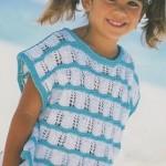 Tričko s ažurovými vzory a pruhy
