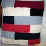 Pletený polštářek patchwork