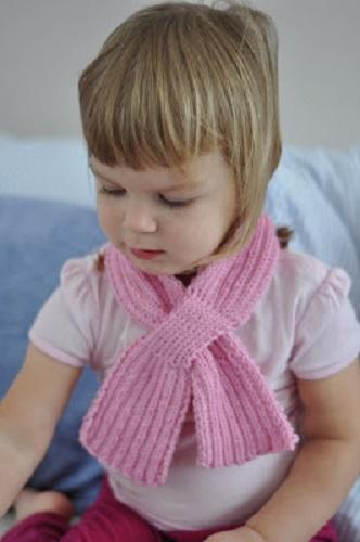 Jednoduchá dětská šála. Návod na ručně pletenou dětskou šálu konečné délky  62 cm. Model je pletený přízí Merino (zn. Vlnap) na jehlicích č. 3 1bc6ac5c97