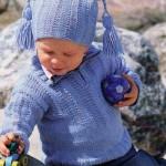 Bleděmodrý pulovr s čepičkou