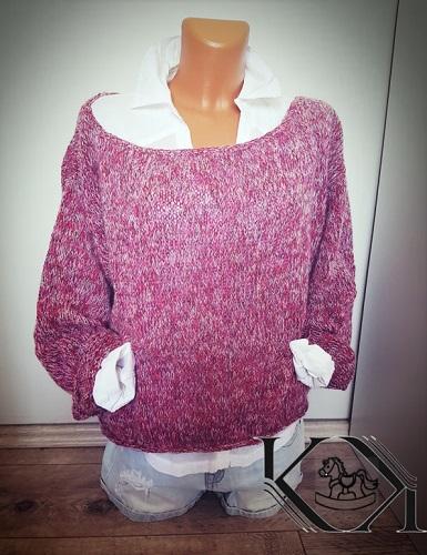 43d82c8007a2 Návod na ručně pletený velký svetr pro střední dámskou velikost. Model je pletený  přízí Winter Moher (zn. ICE) na jehlicích č. 3 a 6.