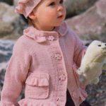 Růžový svetřík s kanýrky a čepička