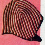 Vroubkovaná retro čepička